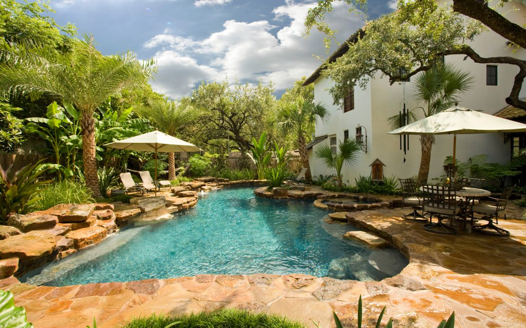 How To Select The Best Swimming Pool Builder